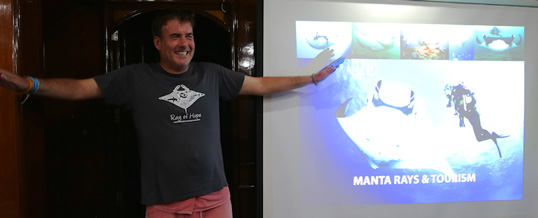 Ric Parker presents Magnificent Manta Rays